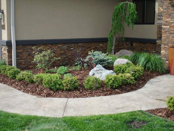 index of services landscaping mulch natural pine-bark