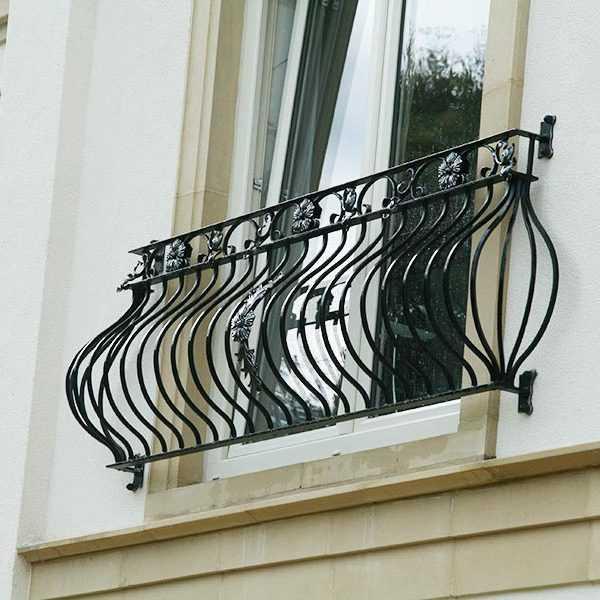 Modern Balcony Railing You Fine Sculpture