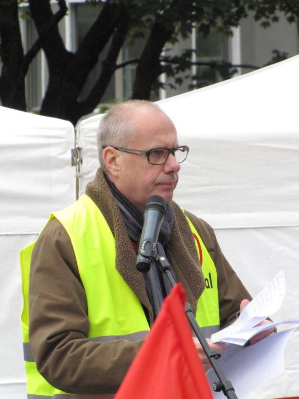 FO Tefal - Rassemblement du 16 octobre 2015 à Annecy en soutien à l'inspectrice du travail Laura Pfeiffer et au lanceur d'alerte