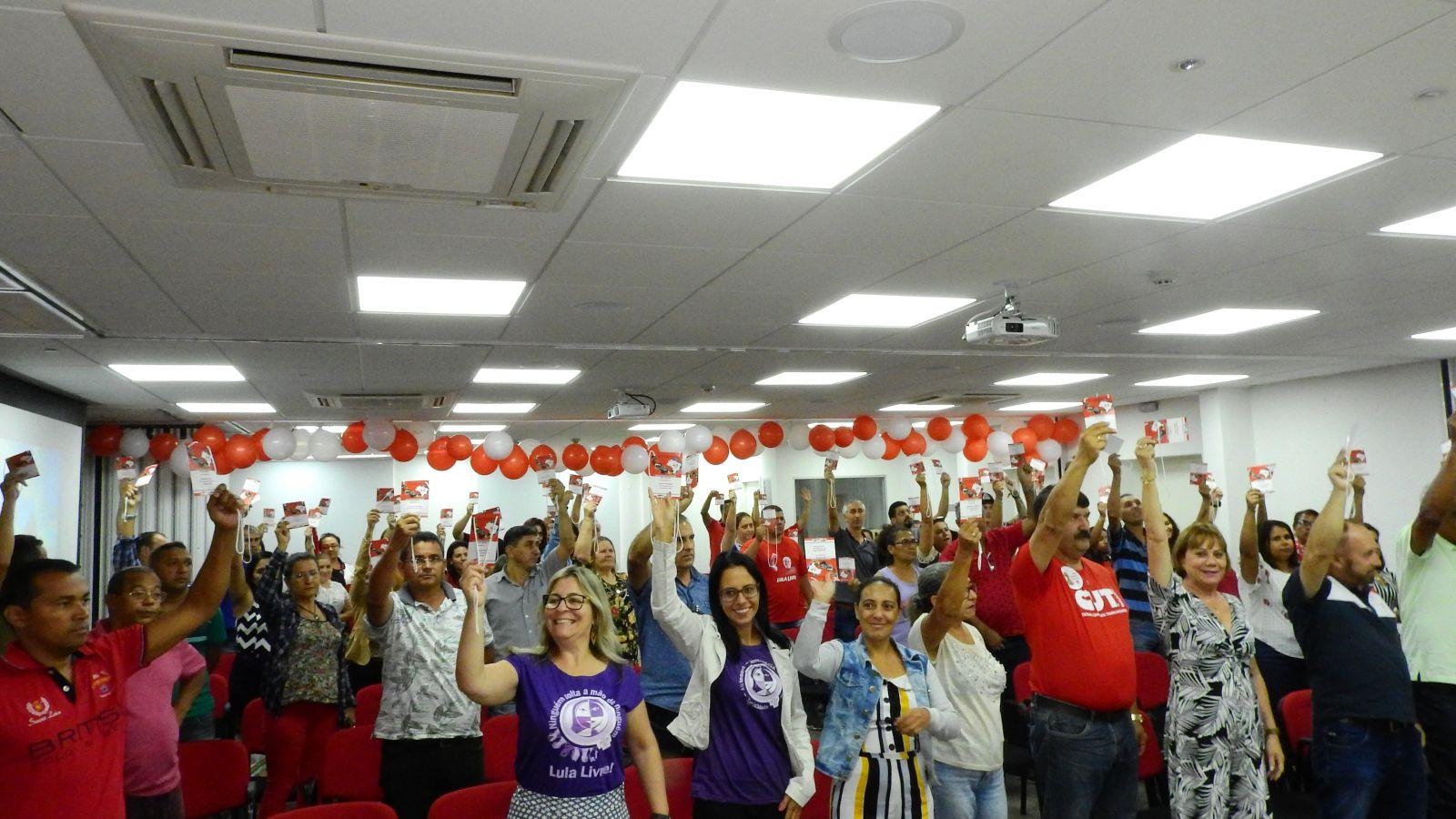 Delegados e delegadas definem pontos estratégicos da luta do ramo vestuário da CUT nos próximos 4 anos