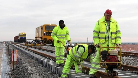 El sindicato CNT denuncia varios accidentes en el mantenimiento de la línea de AVE Madrid-Valladolid
