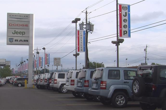 Car Sales Up in August_452216099533243738