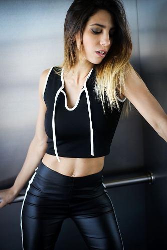 http://articulo.mercadolibre.com.ar/MLA-632559009-pantalon-bi-color-simil-engomado-_JM