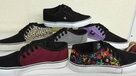 http://articulo.mercadolibre.com.ar/MLA-625973427-zapatillas-de-lona-unisex-del-35-al-40-varios-colores-_JM