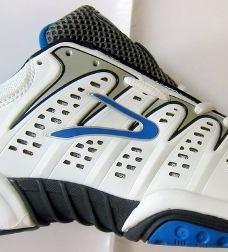 http://articulo.mercadolibre.com.ar/MLA-605467295-zapatillas-dunlop-tenis-padel-flytennis-originales-_JM