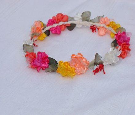http://articulo.mercadolibre.com.ar/MLA-610626848-coronas-de-flores-disenadas-a-tu-gusto-_JM