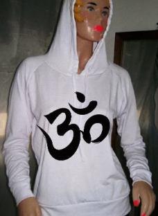 http://articulo.mercadolibre.com.ar/MLA-616537621-miralos-buzos-mujer-de-modal-talle-1-y-2-personalizados-_JM