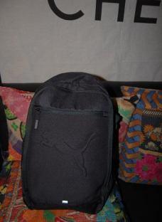 http://articulo.mercadolibre.com.ar/MLA-623144992-puma-mochila-amplia-importada-original-_JM