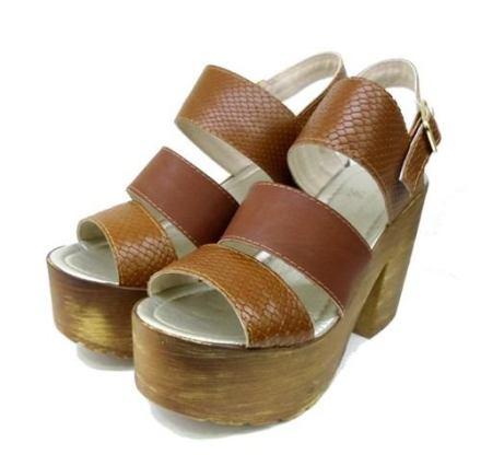 http://articulo.mercadolibre.com.ar/MLA-616122537-sandalias-con-plataforma-3-fajas-primavera-verano-rimini-_JM