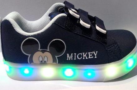 http://articulo.mercadolibre.com.ar/MLA-628751319-zapatilla-addnice-disney-mickey-baby-mil-luces-led-_JM