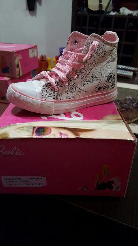 http://articulo.mercadolibre.com.ar/MLA-617102444-zapatillas-barbie-originales-nuevas-en-caja-450-_JM