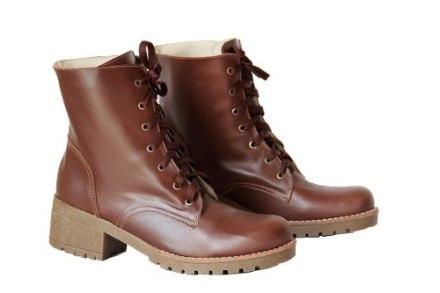 http://articulo.mercadolibre.com.ar/MLA-608543304-botita-borcegos-mujer-botas-zapatos-almacen-de-cueros-_JM