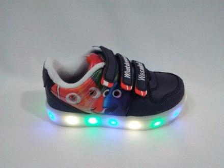 http://articulo.mercadolibre.com.ar/MLA-631733687-disney-zapatillas-de-nemo-y-dory-con-luces-talles-23-al-27-_JM