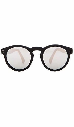 http://articulo.mercadolibre.com.ar/MLA-635259110-gafas-de-sol-varios-modelos-_JM