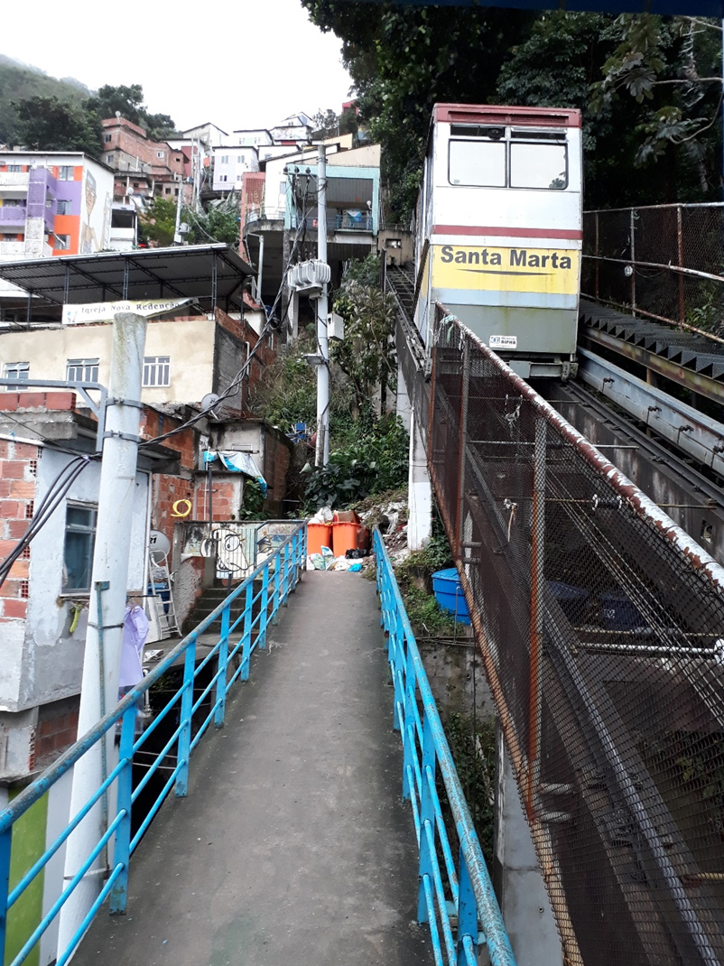 Cable car on the Eastern side of Santa Marta