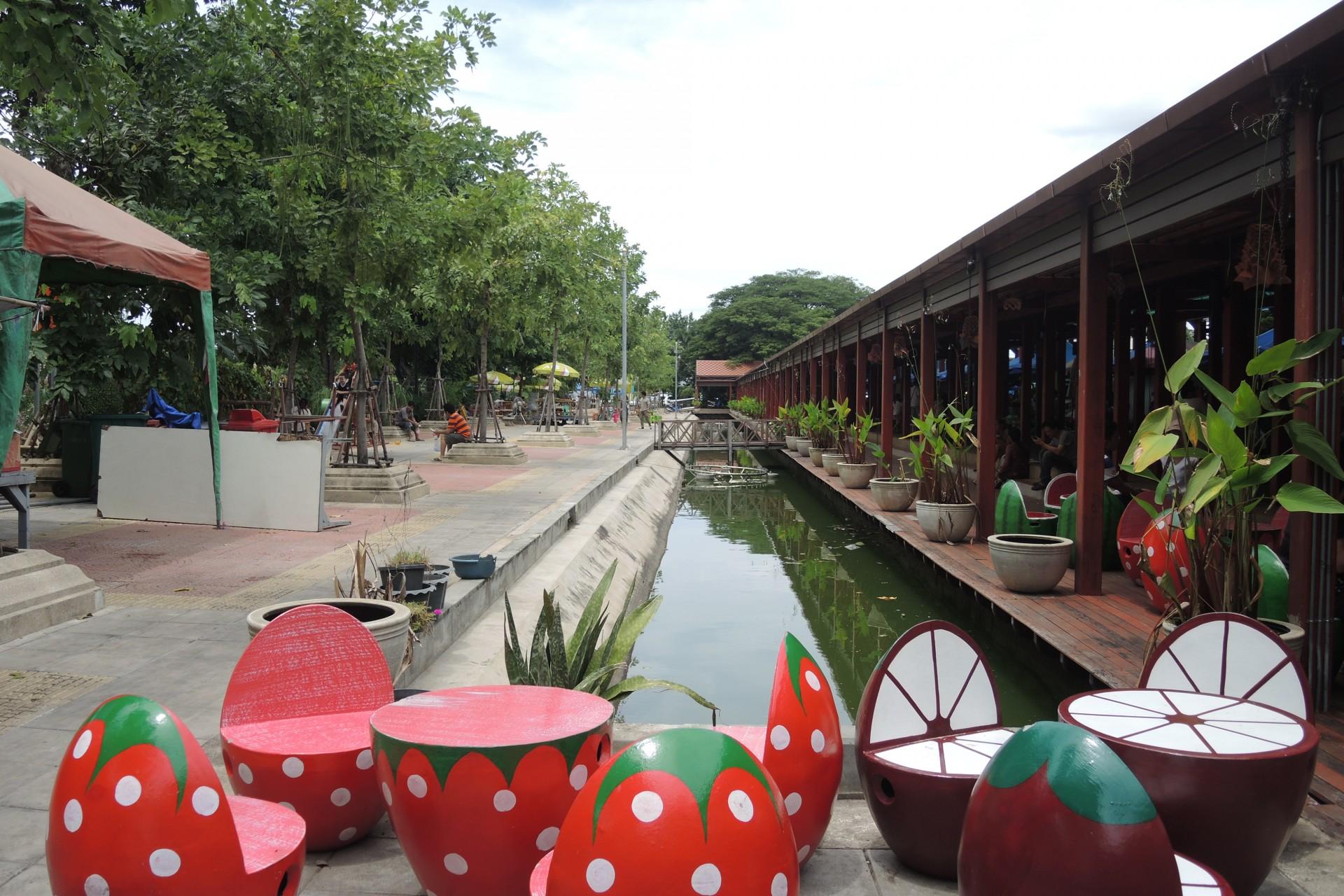 大林江水上市場 Taling Chan Floating Market │ 曼谷市區的小綠洲