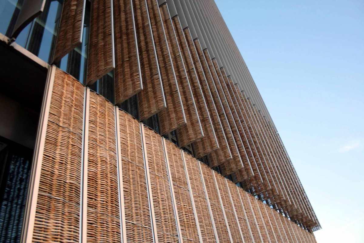 Visita a les instal.lacions de Pont de Querós: arquitectura amb salze