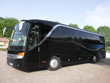 We hire buses in Agen