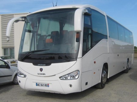Coach and minibus in Bayonne