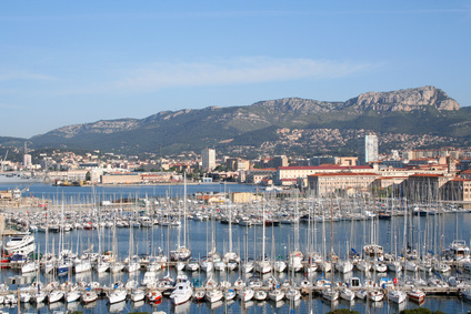 Bus rental in Toulon