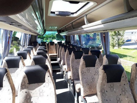 Hire a coach with driver in Auxerre