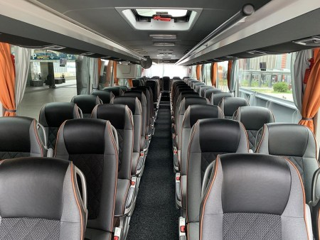 Bus rental in Chinon