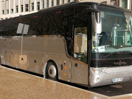 Hire a coach with driver in St Nazaire