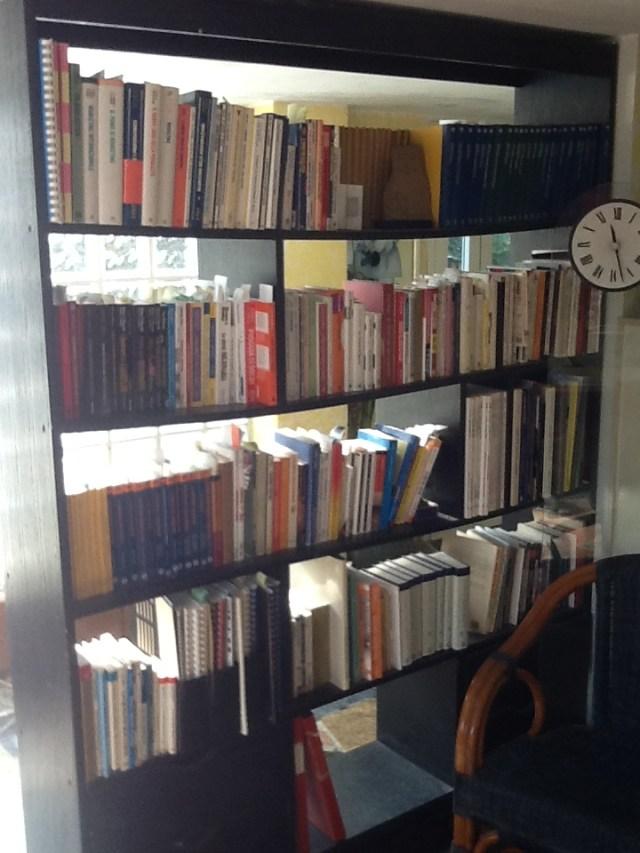 Una parte della libreria di Giancarlo Fornei
