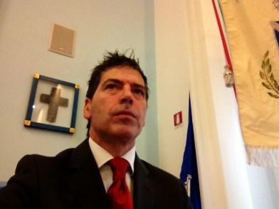 Giancarlo Fornei, mentre aspetta l'inizio del convegno