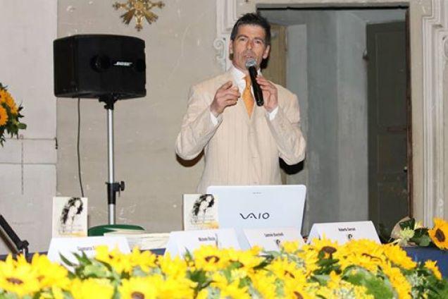 Giancarlo Fornei inizia il suo intervento a Jesi -convegno organizzato dalla Fidapa locale - 15 maggio 2014