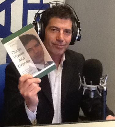 Giancarlo Fornei durante una trasmissione radio
