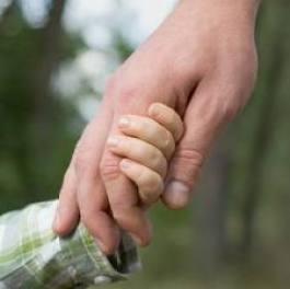 mano nella mano