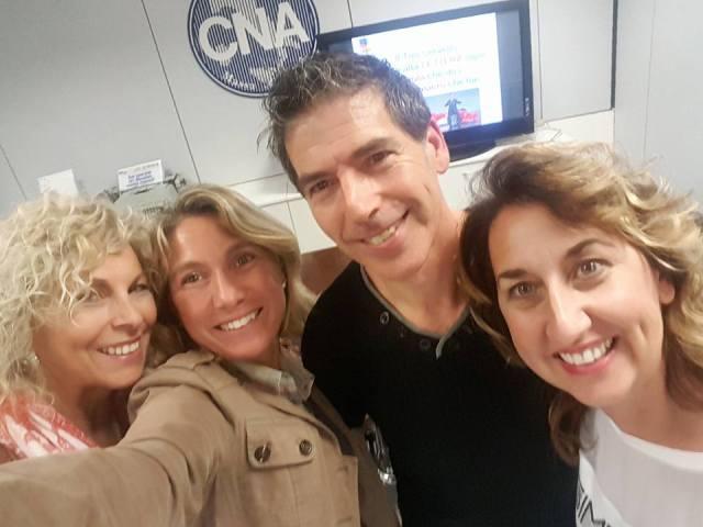 Cna MS - 19 ottobre 2017 - Giancarlo Fornei con 3 amiche dopo il suo seminario motivazionale