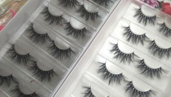 Attention! We customize eyelash packaging LOGO only takes