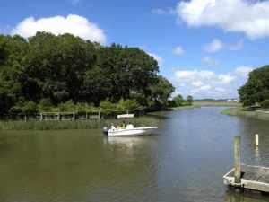 DeBordieu Colony real estate Lot 10 with Boat