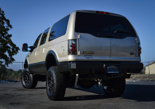 Ford Excursion w/ Aftermarket Tail Lights