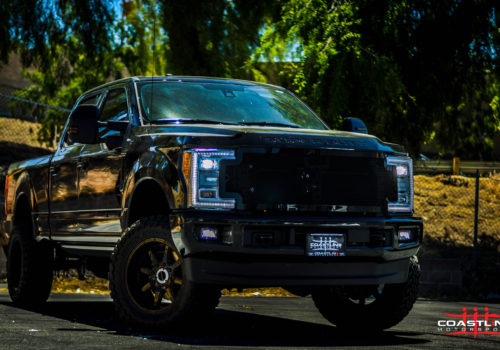 Ford F-250 Super Duty w/ Custom Front Grille