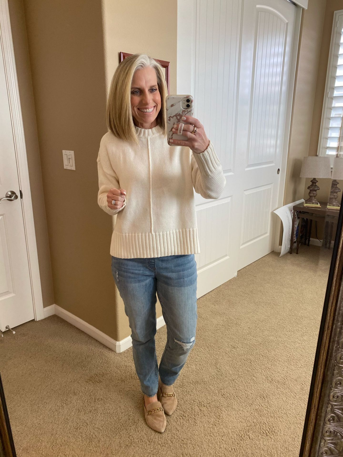 TARGET SHARE WEEK SWEATER
