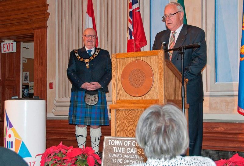 Peter Delanty with Mayor in kilt