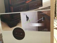 Costco-4560023-Universal-Broadmoore-Gentleman's-Chest-part1
