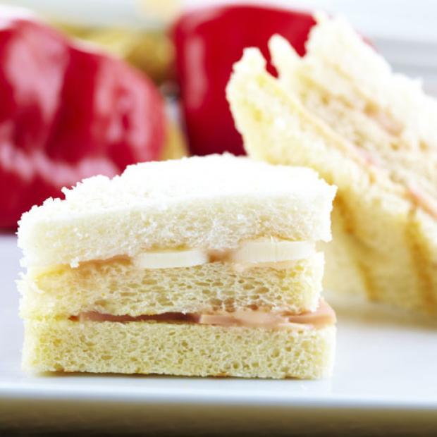Sndwiches con Palmito receta por Ximena Azpiazu