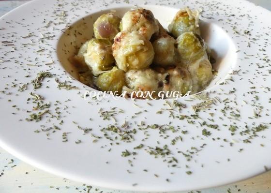 Coles de bruselas con salsa roquefort gratinadas - Cocer coles de bruselas ...