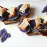 Receta de patatas: Tosta de patata violeta
