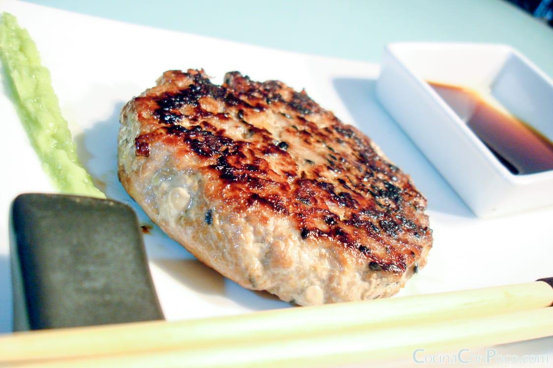 Hamburguesa japonesa de at n fresco premio hamburguesa for Canal cocina tapas