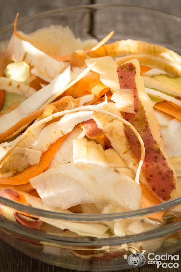 chips de piel de patata zanahoria