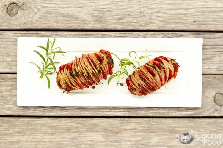Patatas hasselback con chorizo ibérico de bellota