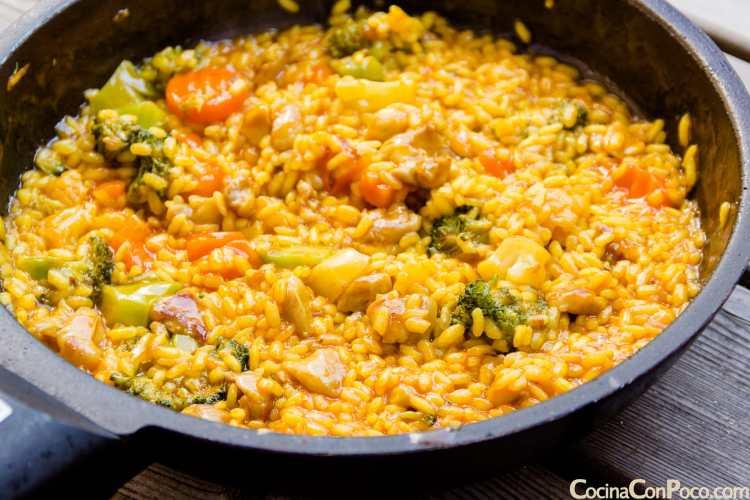 pimientos rellenos de arroz al horno