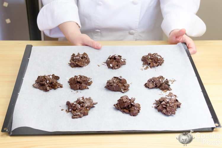 rocas de chocolate cereales frutos secos chips paso a paso