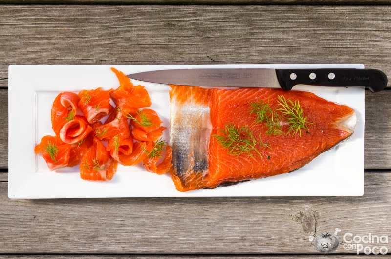 Cómo hacer salmón marinado en casa - paso a paso