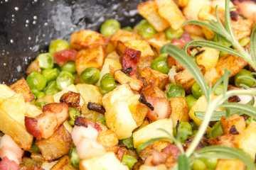 salteado de patatas y bacon receta paso a paso
